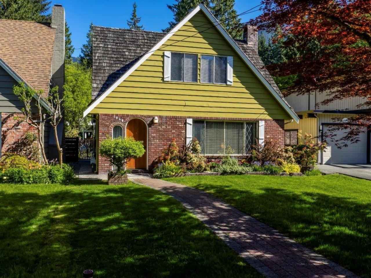 1040 Canyon Boulevard, Canyon Heights NV, North Vancouver