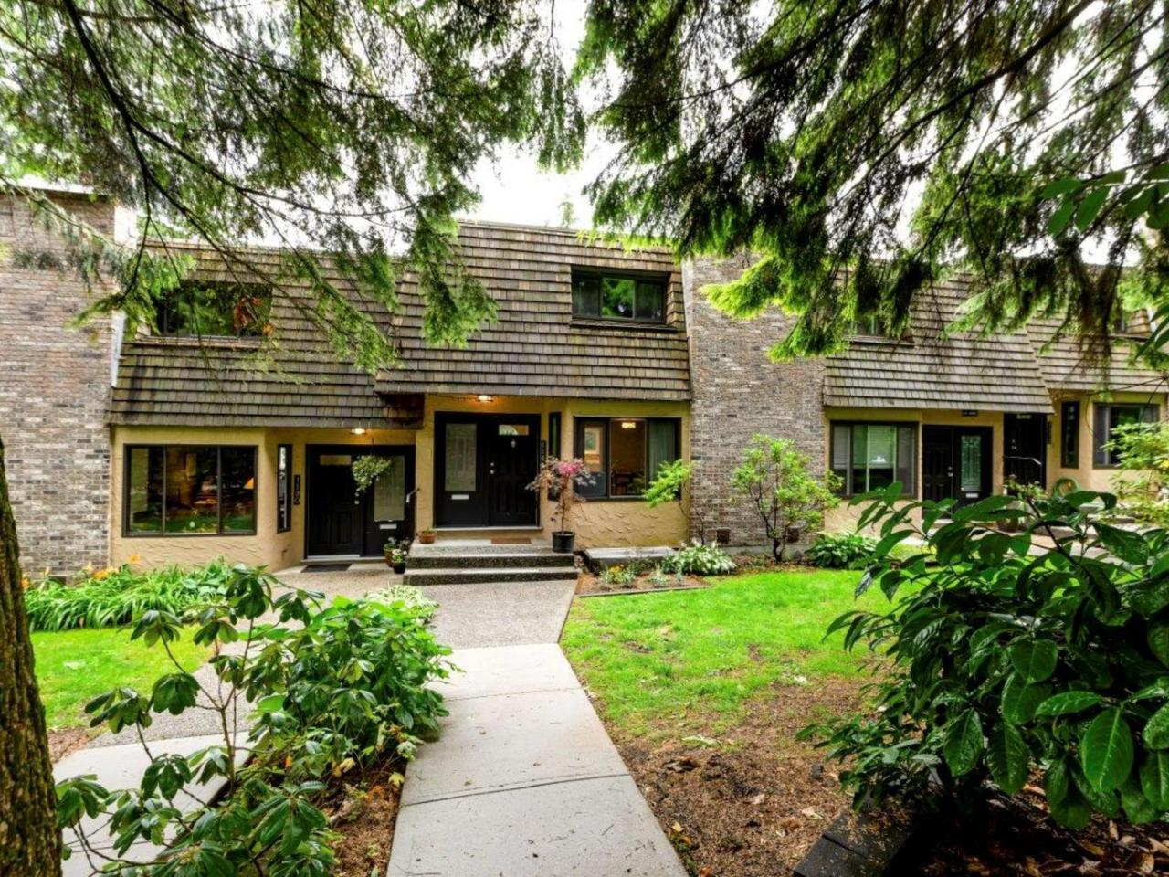1184 Deep Cove Road, North Vancouver