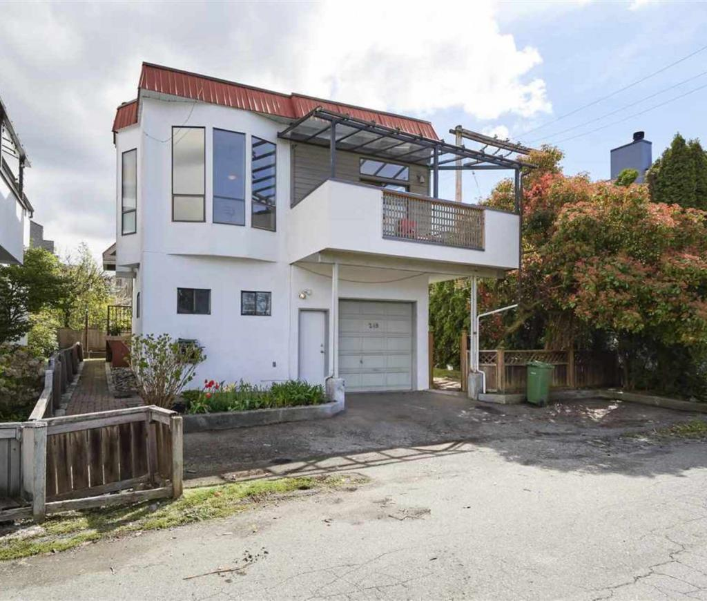 249 W 17th Street, Central Lonsdale, North Vancouver 2