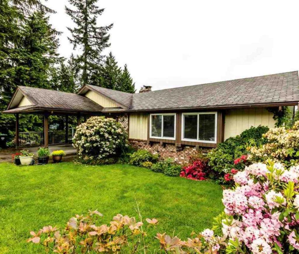 3863 St. Pauls Avenue, Upper Lonsdale, North Vancouver 2