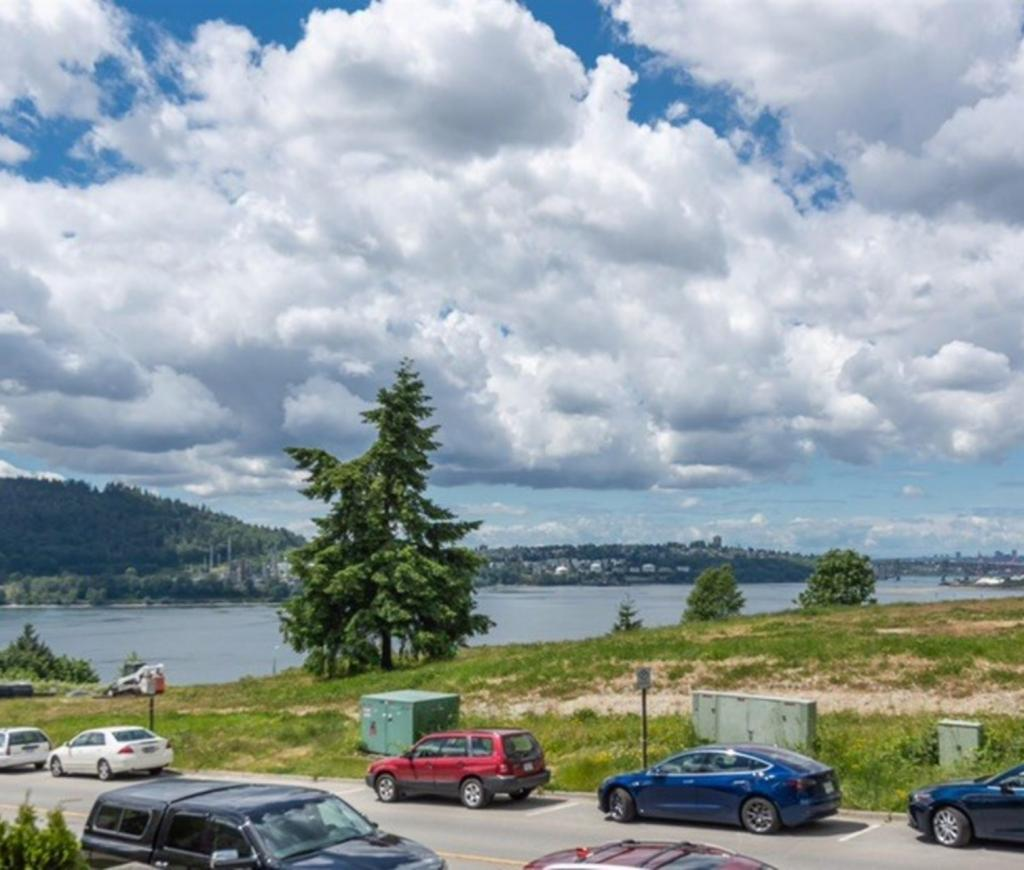 201 - 3600 Windcrest Drive, Roche Point, North Vancouver 2